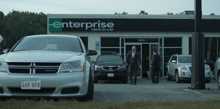 Dodge Avenger, Kia Sorento and GMC Terrain cars and Enterprise Rent-A-Car office in HOUSE OF CARDS: CHAPTER 2 (2013) - TV Show Product Placement