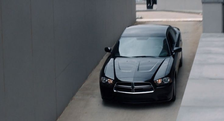 Dodge Charger (2011) car in SABOTAGE (2014) Movie Product Placement