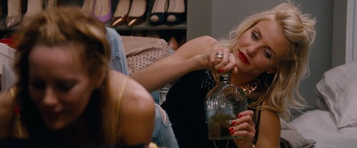Don Julio tequila in THE OTHER WOMAN (2014) Movie Product Placement