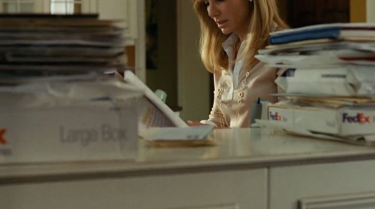 FedEx package in THE BLIND SIDE (2009) Movie Product Placement