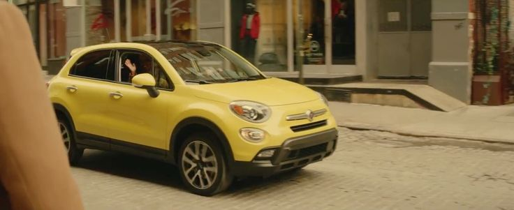 Fiat 500X car in I REALLY LIKE YOU by Carly Rae Jepsen (2015) Official Music Video Product Placement