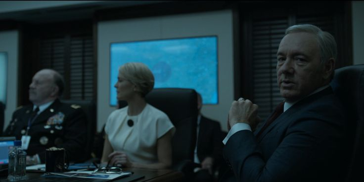 Fiji Water in HOUSE OF CARDS: CHAPTER 51 (2016) TV Show Product Placement
