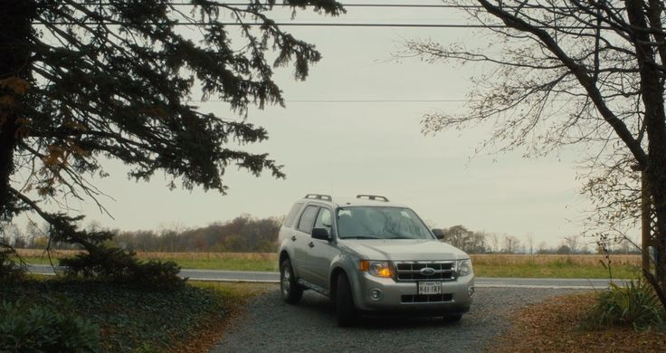 Ford Escape Hybrid (2009) SUV in PHILOMENA (2013) - Movie Product Placement