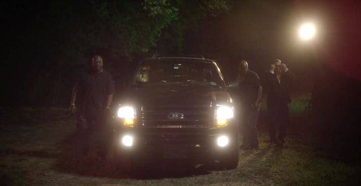 Ford Expedition Gen.3 SUV in SMALL TOWN THROWDOWN by Brantley Gilbert (2014) - Official Music Video Product Placement