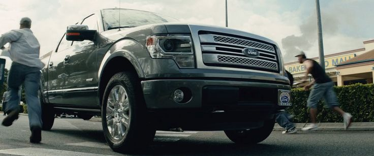 Ford F-150 pickup truck in SAN ANDREAS (2015) - Movie Product Placement