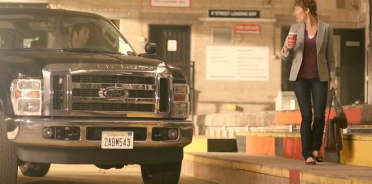 Ford F-250 Super Duty in EPISODES: EPISODE SEVEN (2012) TV Show Product Placement