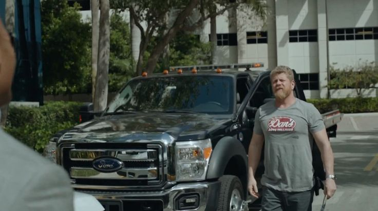 Ford F-Series Super Duty (2011) in BALLERS: HEAD-ON (2015) - TV Show Product Placement