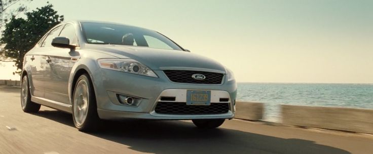 Ford Mondeo MkIV (2006) car driven by Daniel Craig in CASINO ROYALE (2006) - Movie Product Placement