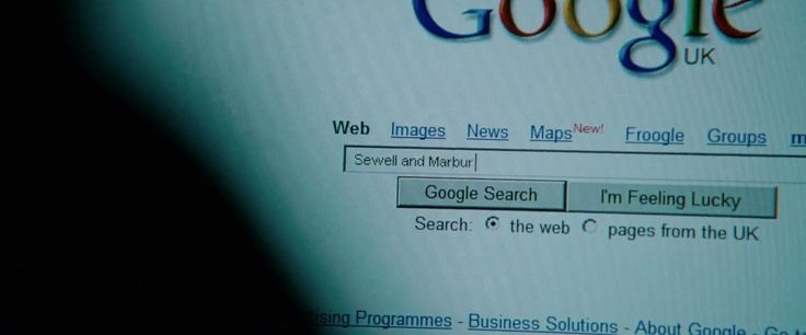 Google website in THE BOURNE ULTIMATUM (2007) Movie Product Placement