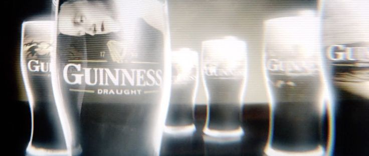 Guinness billboard in MINORITY REPORT (2002) Movie Product Placement