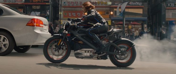 Harley-Davidson LiveWire Motorcycle - AVENGERS: AGE OF ULTRON (2015) Movie Product Placement