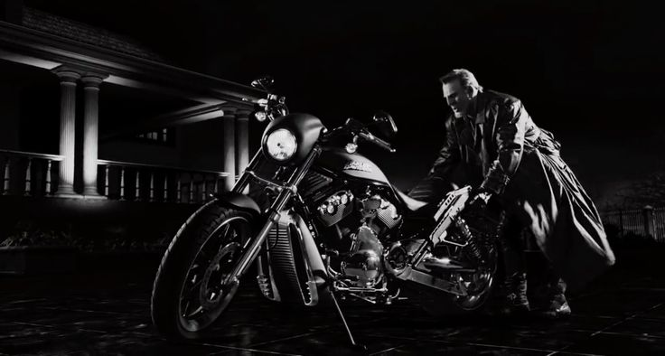 Harley-Davidson V-Rod Night Rod Special [VRSCDX] motorcycle in SIN CITY: A DAME TO KILL FOR (2014) - Movie Product Placement