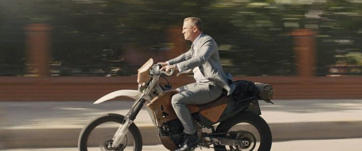 Honda CRF250R Motorcycle driven by Daniel Craig in SKYFALL (2012) Movie Product Placement
