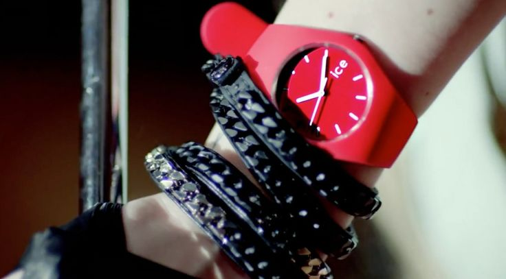 Ice-Watch - Avril Lavigne - Here's to Never Growing Up Official Music Video Product Placement