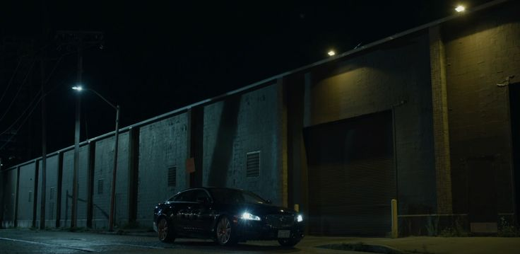 Jaguar car in HOUSE OF CARDS: CHAPTER 46 (2016) - TV Show Product Placement