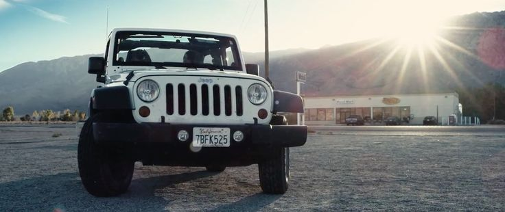 Jeep Wrangler SUV in GENTLE ON MY MIND by The Band Perry (2014) Official Music Video Product Placement