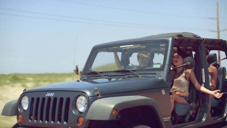 Jeep Wrangler Unlimited SUV in FEELIN' IT by Scotty McCreery (2014) - Official Music Video Product Placement