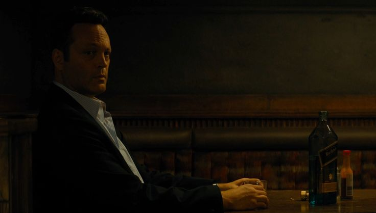 Johnnie Walker Blue Label whisky drunk by Vince Vaughn in TRUE DETECTIVE: THE WESTERN BOOK OF THE DEAD (2015) TV Show Product Placement