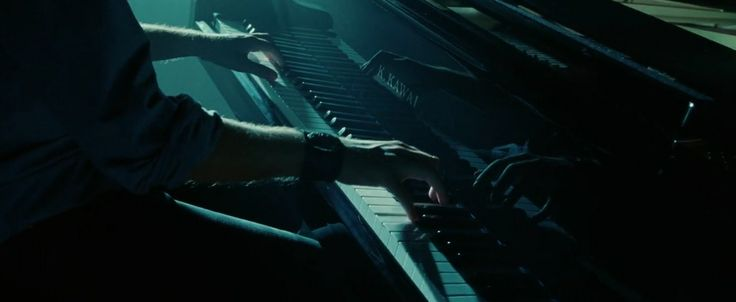 Kawai piano in TWILIGHT (2008) Movie Product Placement