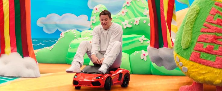 Lamborghini toy car in 22 JUMP STREET (2014) Movie Product Placement