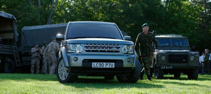 Land Rover Discovery Series IV (2010) and Land Rover Defender 90 SUVs in PIXELS (2015) Movie Product Placement