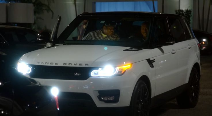 Land Rover Range Rover Sport in BALLERS: PILOT (2015) TV Show Product Placement
