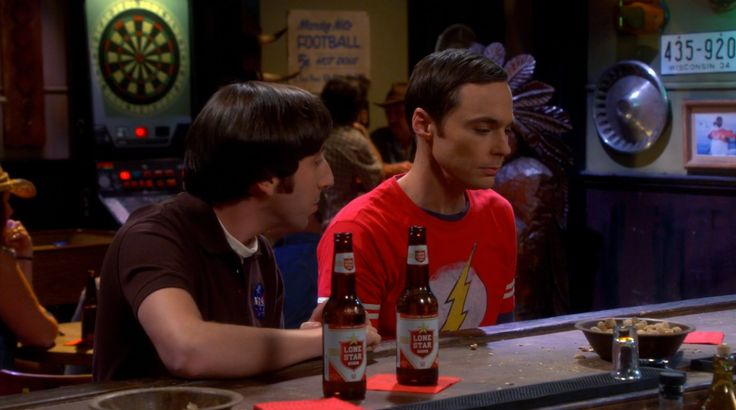 Lone Star beer drunk by Simon Helberg and Jim Parsons in THE BIG BANG THEORY: THE MOMMY OBSERVATION (2014) TV Show Product Placement