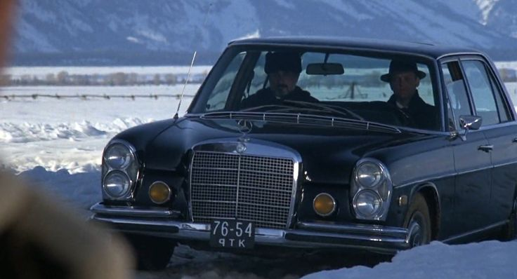 Mercedes-Benz 280 SEL 4.5 [W108] (1972) car in ROCKY IV (1985) - Movie Product Placement