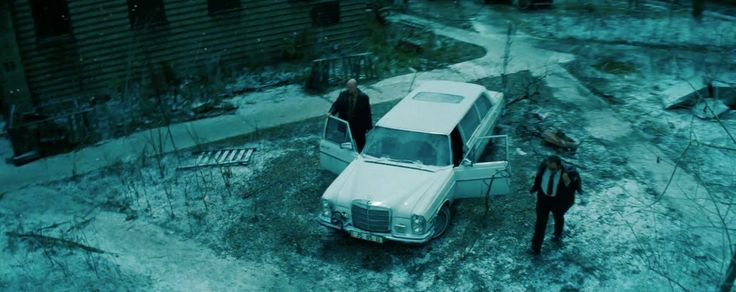 Mercedes-Benz 300SEL Car - Transformers: Dark of the Moon (2011) Movie Product Placement