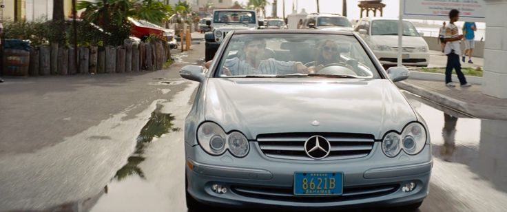 Mercedes-Benz CLK [A209] car in THE OTHER WOMAN (2014) Movie Product Placement