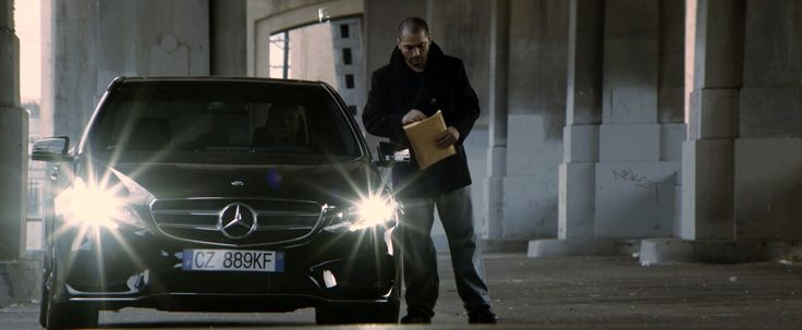 Mercedes-Benz E-Class [W212] car in 3 DAYS TO KILL (2014) Movie Product Placement