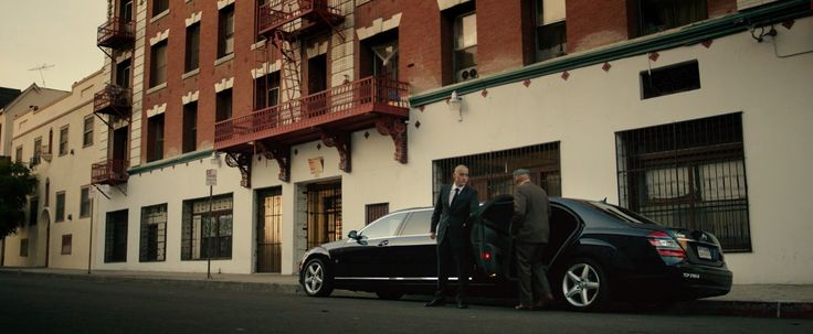 Mercedes-Benz S-Class Stretched Limousine [W221] in THE PURGE: ANARCHY (2014) - Movie Product Placement