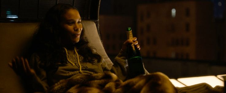 Moët & Chandon champagne drunk by Joy Bryant in ABOUT LAST NIGHT (2014) - Movie Product Placement