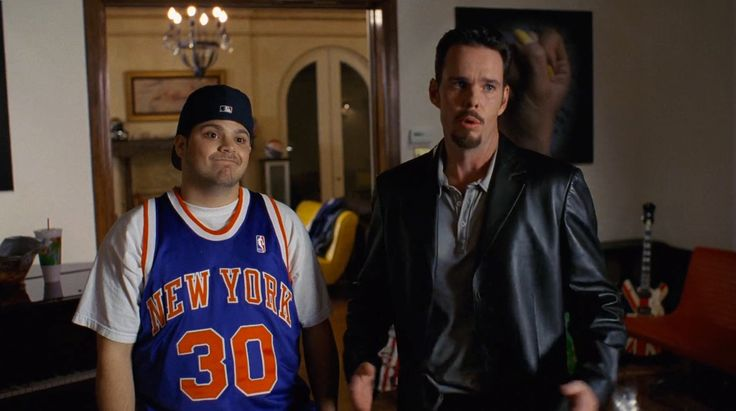 New York Knicks jersey and MLB cap worn by Jerry Ferrara in ENTOURAGE: ENTOURAGE (2014) - TV Show Product Placement