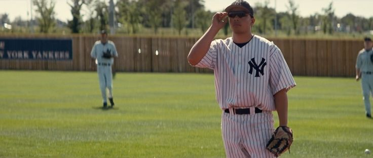 New York Yankees baseball uniform and Rawlings baseball gloves in INTERSTELLAR (2014) - Movie Product Placement