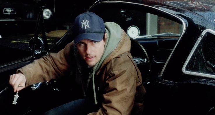 New York Yankees cap worn by Tom Cruise in WAR OF THE WORLDS (2005) Movie Product Placement