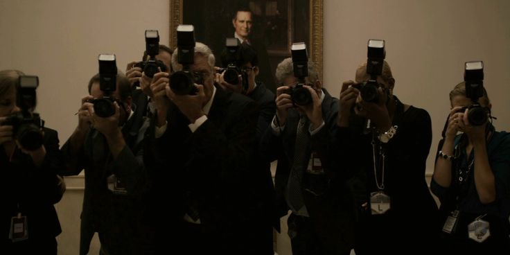 Nikon and Canon cameras - HOUSE OF CARDS: CHAPTER 29 (2015) TV Show Product Placement