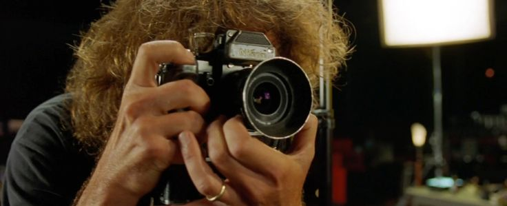 Nikon camera - ROCK STAR (2001) Movie Product Placement