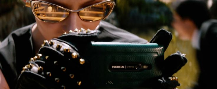 Nokia Lumia 925 used by Svetlana Khodchenkova and Tom Ford FT0304 Nastasya Cat's Eye Style sunglasses worn by Svetlana Khodchenkova in THE WOLVERINE (2013) Movie Product Placement