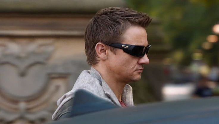 Oakley Sunglasses - THE AVENGERS (2012) - Movie Product Placement