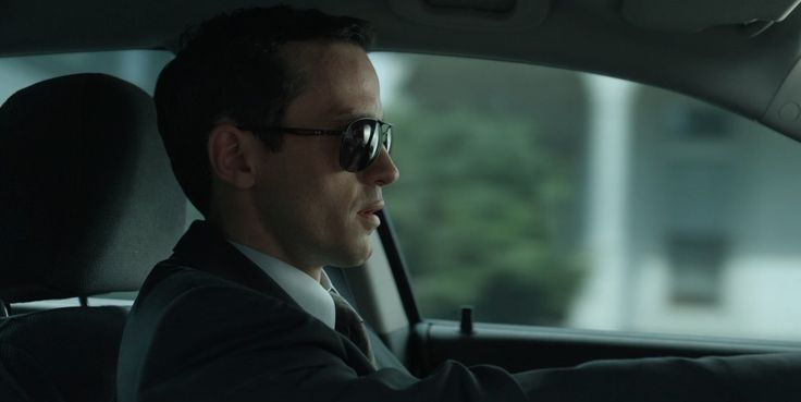 Oakley Plaintiff sunglasses worn by Nathan Darrow in HOUSE OF CARDS: CHAPTER 3 (2013) TV Show Product Placement