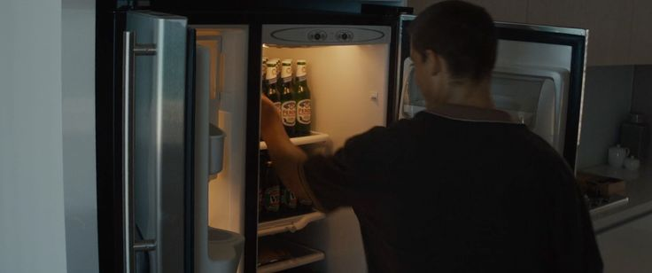 Peroni beer in SON OF A GUN (2014) Movie Product Placement