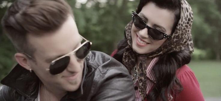 Ray-Ban Aviator sunglasses worn by Keifer Thompson in EVERYTHING I SHOULDN'T BE THINKING ABOUT IT by Thompson Square (2013) Music Video Product Placement
