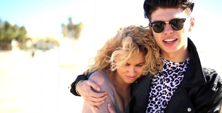 Ray-Ban Clubmaster sunglasses in PAPER HEARTS by Tori Kelly (2014) Music Video Product Placement