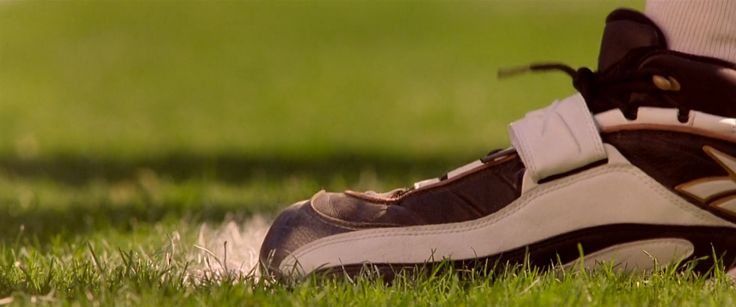 Reebok shoes in ANY GIVEN SUNDAY (1999) - Movie Product Placement