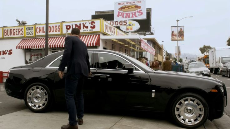 Rolls-Royce Ghost luxury car used by Omar J. Dorsey in RAY DONOVAN: RODEF (2014) TV Show Product Placement