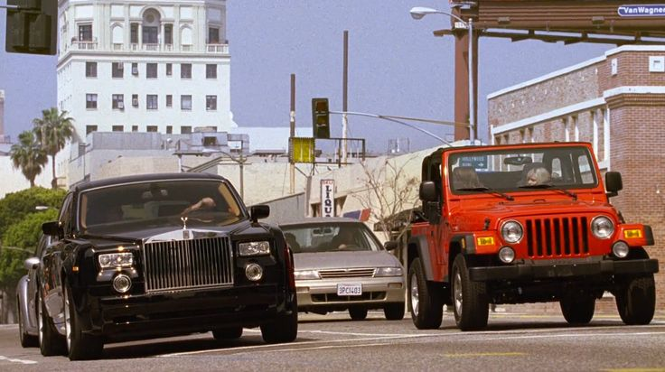 Rolls-Royce Phantom and Jeep Wrangler in ENTOURAGE: THE REVIEW (2004) TV Show Product Placement