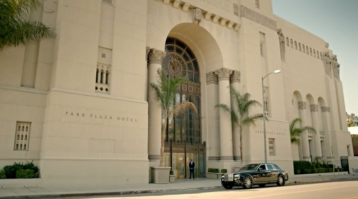 Rolls-Royce Phantom car in SO BLUE by Akon (2013) Official Music Video Product Placement