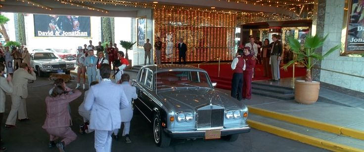 Rolls-Royce Silver Shadow I (1974) car in CASINO (1995) - Movie Product Placement