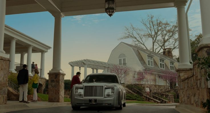 Rolls-Royce Silver Spur II Touring Limousine (1993) car in THE BOSS (2016) - Movie Product Placement